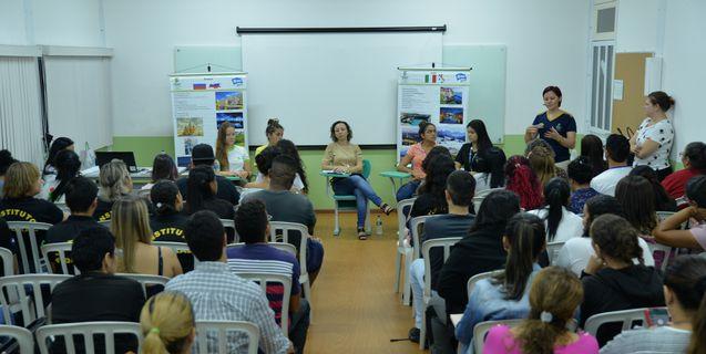 Intercambistas do Campus Barra do Garças participam de Mesa Redonda